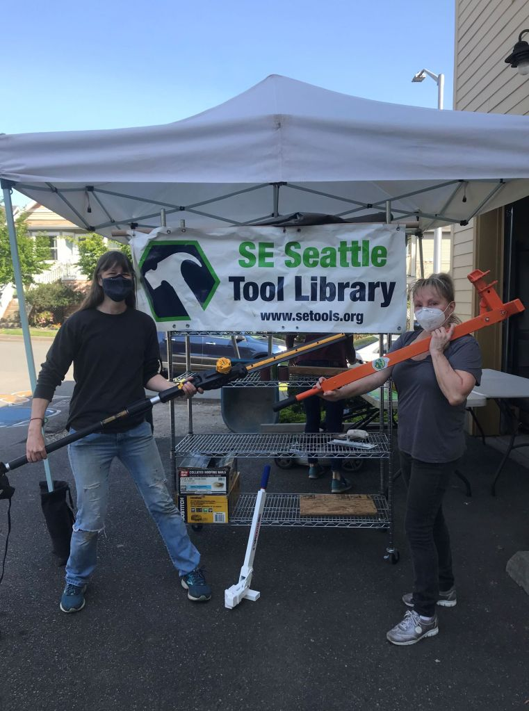 SE Seattle Tool Library volunteers are ready for some weed control action!